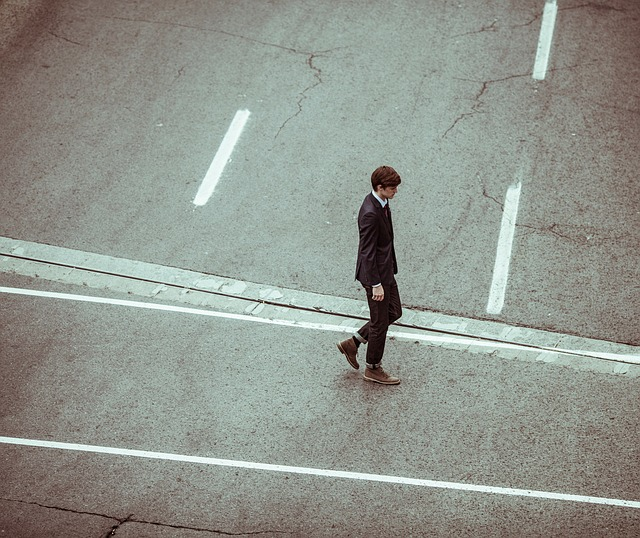 路頭に迷うサラリーマン
